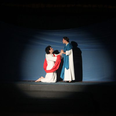 Passion Play (2013). Andrew Kushnir and Mayko Nguyen. Photo by Keith Barker.