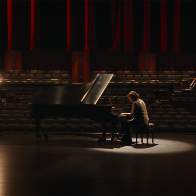 James Smith in Lessons in Temperament (2021). Photo by Gabriela Osio Vanden.